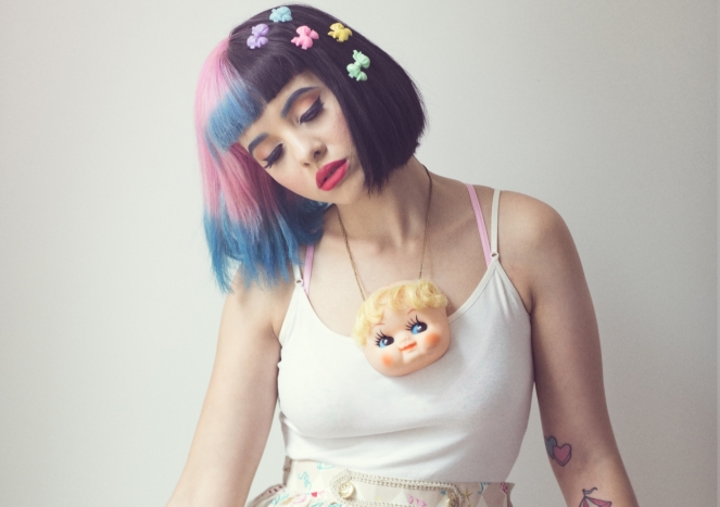 1436371129-melanie-martinez-press-photo-2-credit-emily-soto